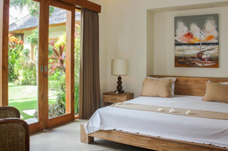 Villa Lea Bedroom with Wooden Deck | Umalas, Bali