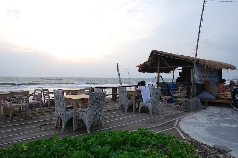 Batubelig Beach Bar