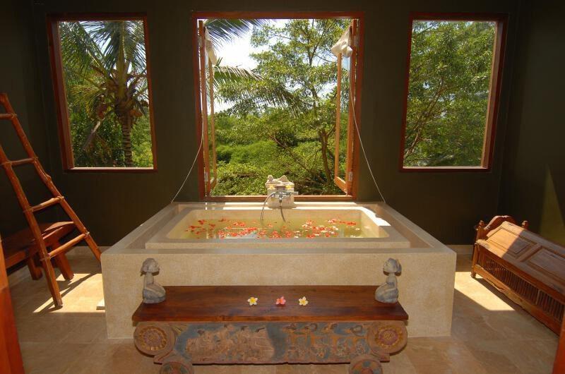 Atas Awan Villa Bathroom | Ubud, Bali