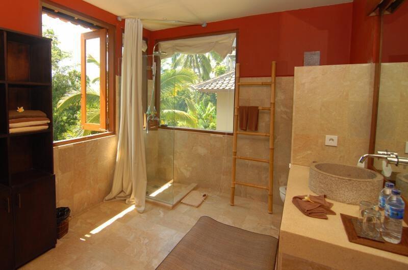 Atas Awan Villa En-suite Bathroom | Ubud, Bali