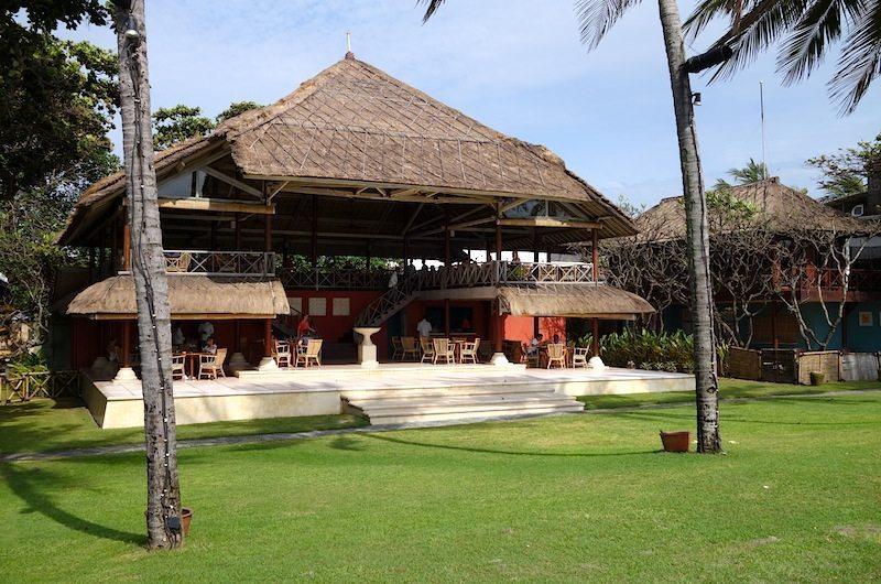La Lucciola Beachfront Restaurant