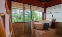 Atas Awan Villa Bathtub | Ubud, Bali