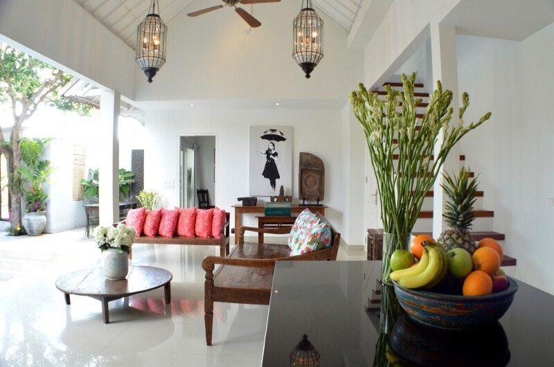 Santai Villa Dining Area | Batubelig, Bali