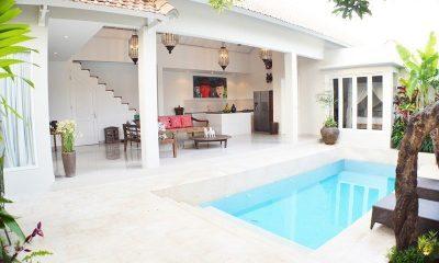 Santai Villa Open Plan Living | Batubelig, Bali