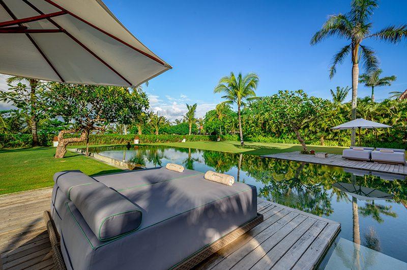 Shalimar Makanda Sun Beds   Seseh, Bali