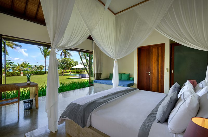 Shalimar Makanda Bedroom with Garden View | Seseh, Bali