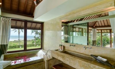 Shalimar Makanda Bathroom | Seseh-Tanah Lot, Bali