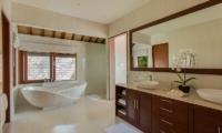 Tirtanila Bathroom | Candidasa, Bali