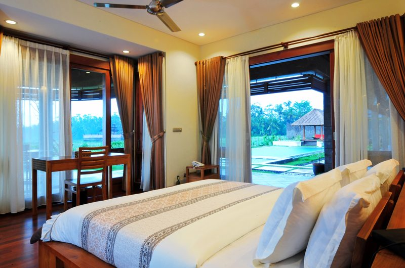 Villa Griya Aditi Bedroom with Study Table | Ubud, Bali