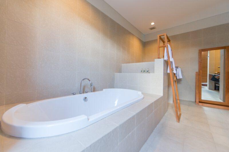 Villa Griya Atma Bathtub   Ubud, Bali