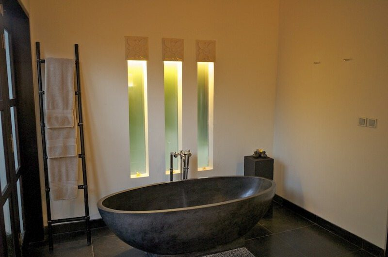 Villa Rumah Lotus Bathroom | Ubud, Bali