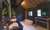Villa Samaki Bathtub | Ubud, Bali