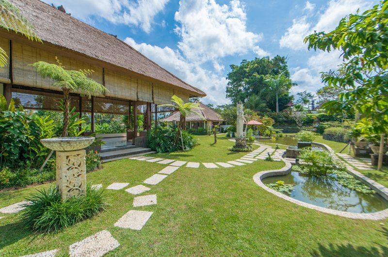 Villa Vastu Lawns   Ubud, Bali