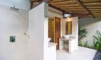 Villa Warna Warni Bathroom | Seminyak, Bali
