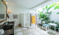Casa Lucas Shower Area | Seminyak, Bali