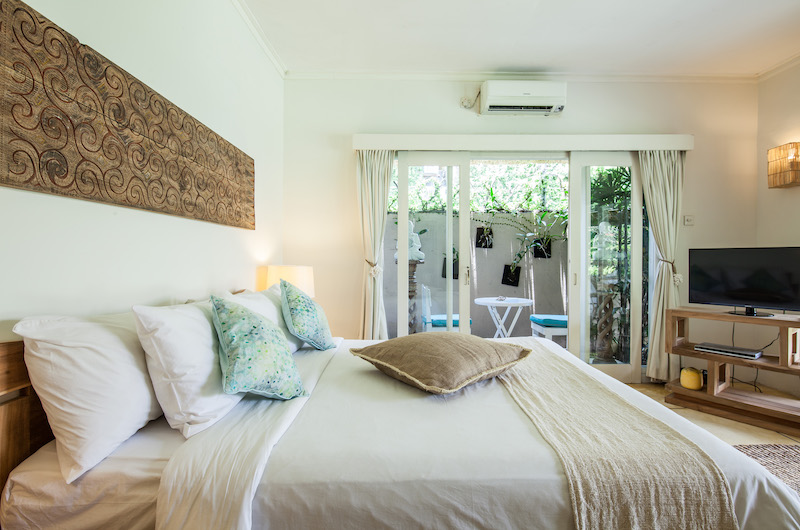 Casa Lucas Bedroom with Pillows | Seminyak, Bali