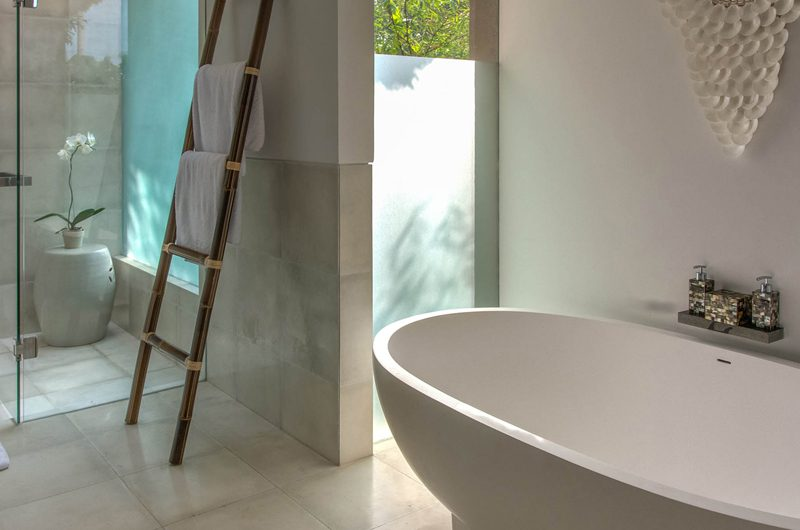 Seseh Beach Villas Seseh Beach Villa 2 Bathtub | Seseh, Bali