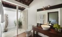 Villa Amaya En-suite Bathroom   Legian, Bali