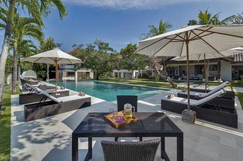Villa Manis Sun Loungers | Pererenan, Bali