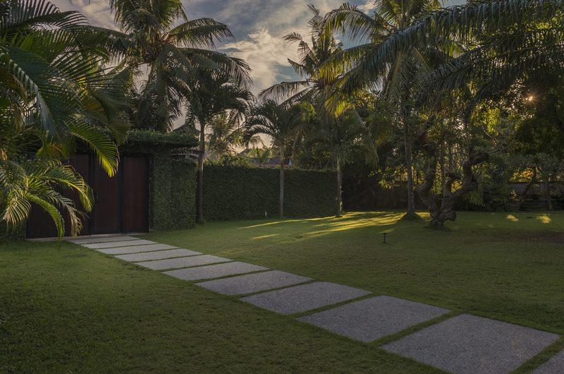 Villa Manis Pathway | Pererenan, Bali