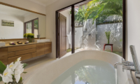 Villa Manis Bathtub | Pererenan, Bali