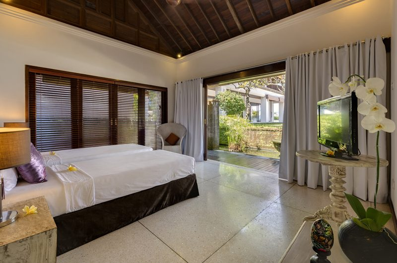 Villa Manis Bedroom with Twin Beds | Pererenan, Bali
