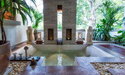 Baan Surin Sawan Open Air Bathtub   Surin, Phuket
