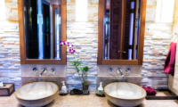 Baan Surin Sawan Bathroom | Surin, Phuket