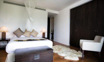 Villa Napalai King Size Bed   Surin, Phuket