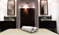 Villa Napalai His and Hers Bathroom   Surin, Phuket