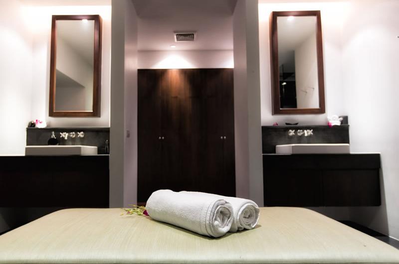 Villa Napalai His and Hers Bathroom | Surin, Phuket