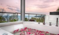 Villa Napalai Outdoor Bathtub | Surin, Phuket