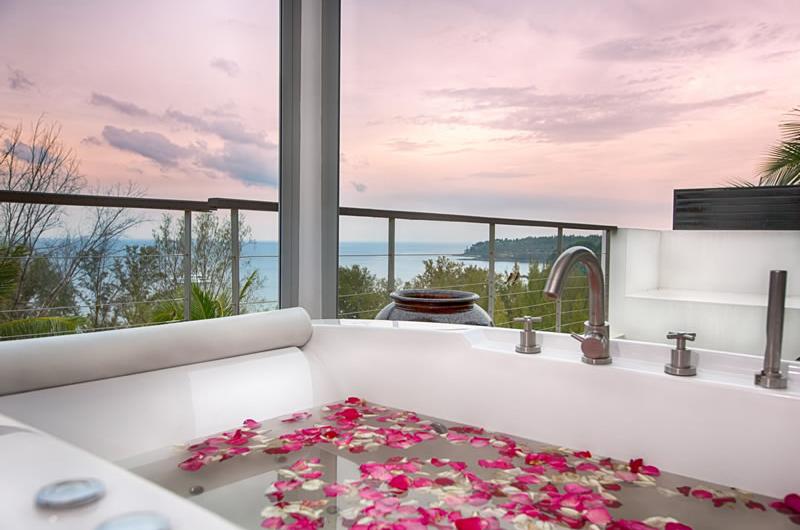 Villa Napalai Outdoor Bathtub   Surin, Phuket