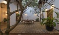 Ambassador's House Outdoor Dining | Galle, Sri Lanka