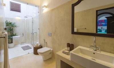Ambassador's House En-suite Bathroom | Galle, Sri Lanka