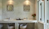 Pooja Kanda En-suite Bathroom | Koggala, Sri Lanka