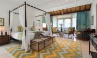 Windu Villas Villa Windu Asri Bedroom with Study Table | Petitenget, Bali