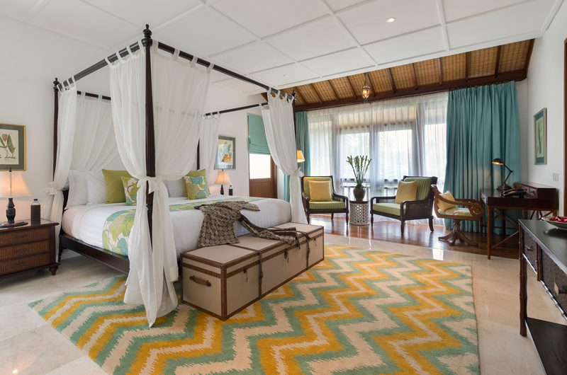 Windu Villas Villa Windu Asri Bedroom with Study Table | Petitenget, Bali