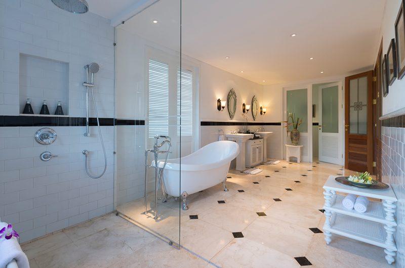 Windu Villas Villa Windu Asri En-suite Bathroom | Petitenget, Bali