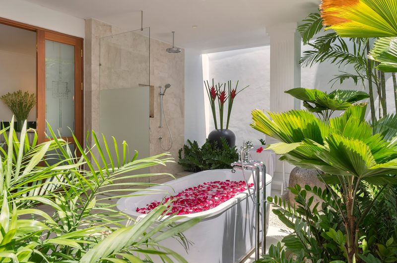 Windu Villas Villa Windu Asri Romantic Bathtub Set Up | Petitenget, Bali