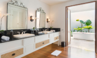 Windu Villas Villa Windu Asri His and Hers Bathroom with Bathtub | Petitenget, Bali