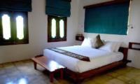 Villa Liang Guest Bedroom | Batubelig, Bali