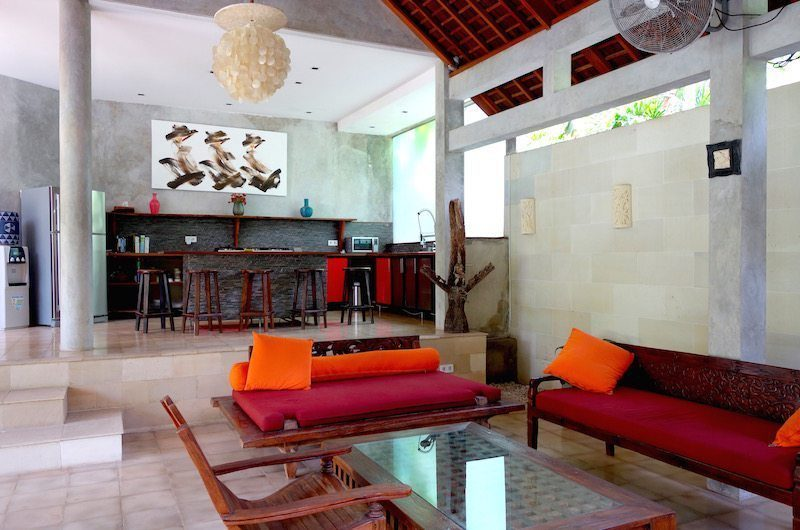 Villa Liang Living And Dining Area | Batubelig, Bali