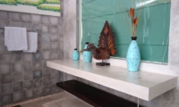 Villa Liang Bathroom | Batubelig, Bali