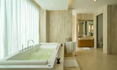 Waterfall Bay Bathroom with Bathtub   Kamala, Phuket