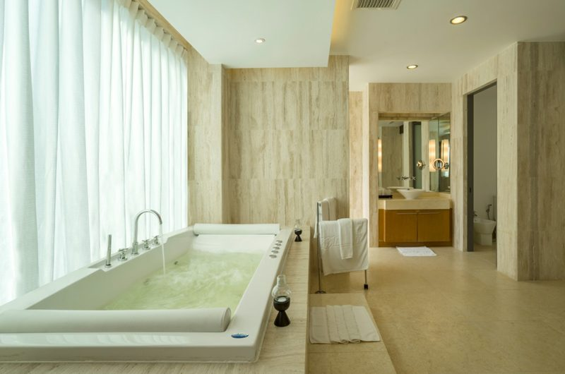 Waterfall Bay Bathroom with Bathtub | Kamala, Phuket