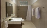 39 Galle Fort Bathroom | Sri Lanka