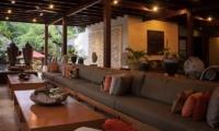 Umah Di Sawah Living Room   Canggu, Bali