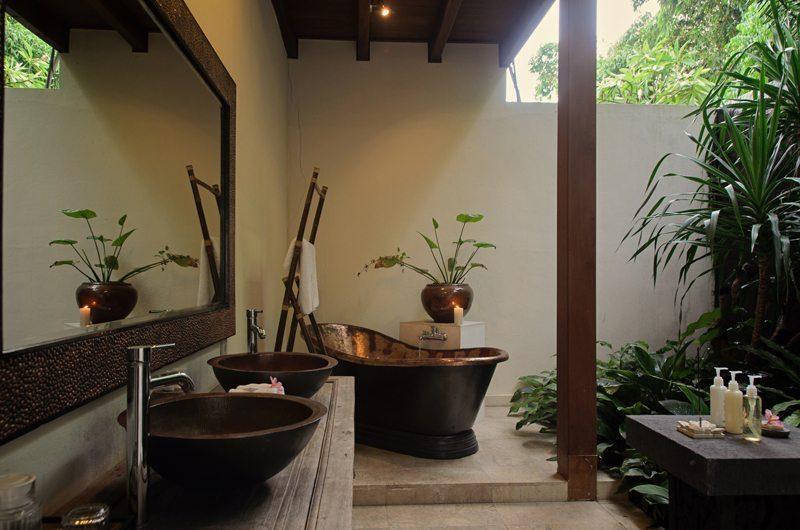Umah Di Sawah En-suite Bathroom   Canggu, Bali