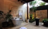 Umah Di Sawah Bathroom   Canggu, Bali
